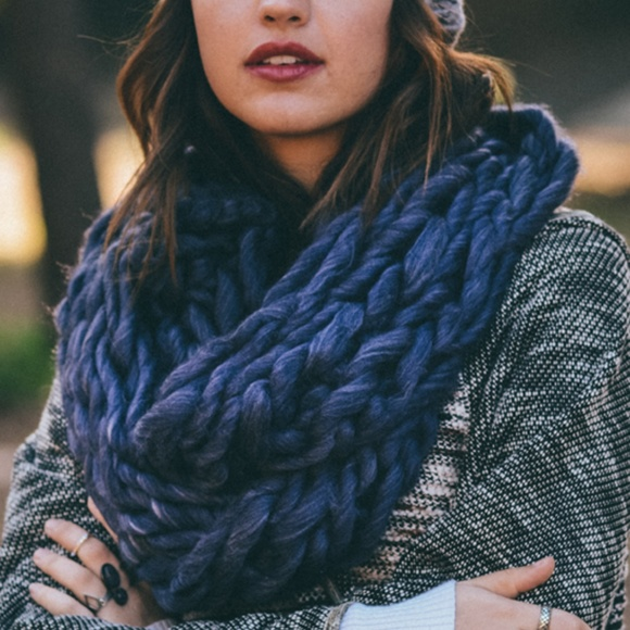0414669703575 Heather Purple & Gray Braided-Knit Infinity Scarf. Boutique. Leto Collection